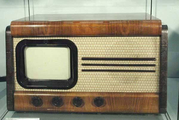 Televize se už dávno stala každodenní součástí našeho života a mnozí lidé si bez ní jen těžko dokážou svůj život představit.