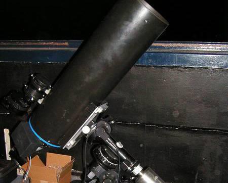 Český robotický teleskop FRAM, který je součástí mezinárodní observatoře Pierra Augera v Argentině, objevil v úterý 17. ledna v 7:52 h středoevropského času velmi jasný optický protějšek záblesku záření gama.