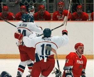 Technický pokrok stále více proniká i do sportu. Například hokejisté se na nadcházejících zimních olympijských hrách představí v novém typu dresů.