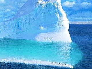 Zvyšování hladiny moře se pomalu stává realitou. Vědci z Coloradské univerzity v Boulderu uvedli, že každým rokem zmizí z Antarktidy 152 km3 ledu.