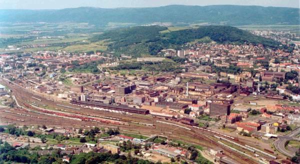 S nástupem industriálního věku se krajina začala radikálním způsobem proměňovat. Začaly se stavět továrny, infrastruktura i nové obytné čtvrti. Krajina v Čechách nebyla výjimkou.