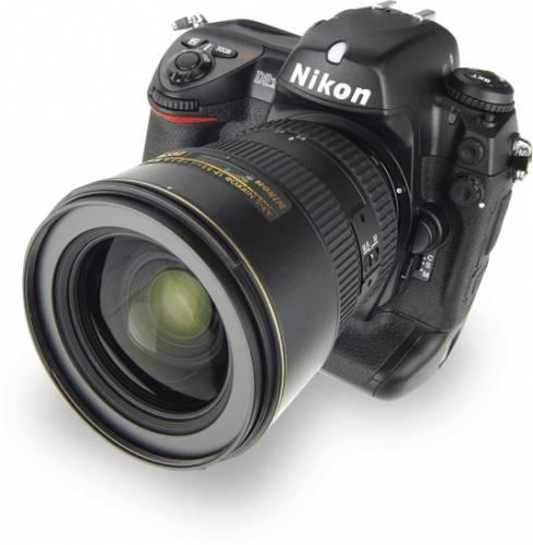 Společnost Nikon s. r. o. ve spolupráci s centrem FotoŠkoda připravila soutěž pro uživatele fotoaparátů Nikon v České a Slovenské republice, která se skládá ze dvou samostatných částí, Nikon Number One Profi 2006 a Nikon Number One Talent 2006.
