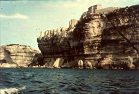 Oblast Středozemního moře pokládáme za jednu z kolébek vyspělých civilizací. Je proto těžko pochopitelné, že zde kdysi, byla místo nedozírné hladiny žhavá poušť, a to z geologického hlediska zcela nedávno.