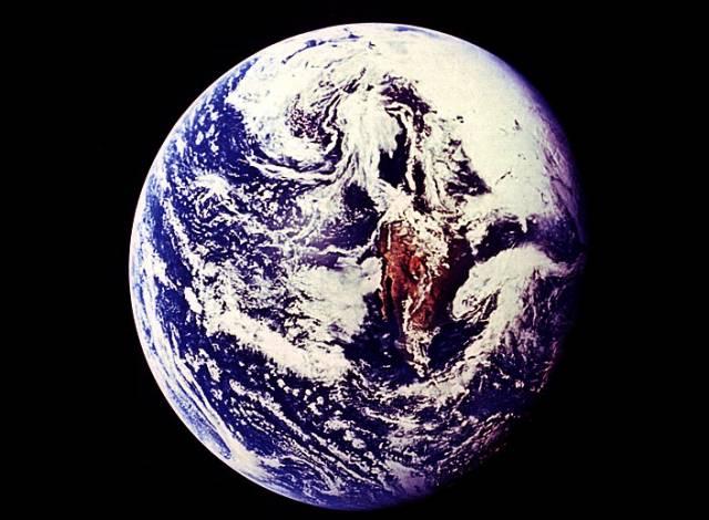 Do současné vlny tropických veder zajímavě zapadá informace, že naše planeta je nejteplejší za posledních 400 let.