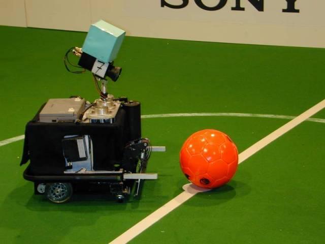 Souběžně s fotbalovým šampionátem se v německém Dortmundu uskutečnilo mistrovství světa v robofotbale.