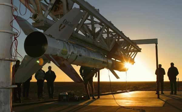 """Letos v březnu proběhl úspěšný test raketového motoru, s nímž britská raketa dosáhla rychlosti 9000 km/h. Rekordní rychlost byla dosažena díky motoru typu scramjet, který vzduch do svých """"plic"""" dovede nasát bez kompresoru."""