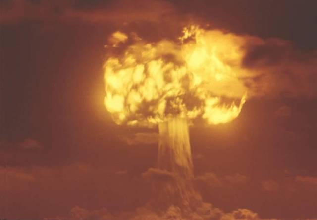V těchto dnech si celý svět připomíná zatím naštěstí jediné dva případy, kdy jaderná bomba našla své uplatnění ve válečném konfliktu.