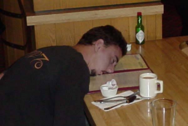 Člověk, který má vysoký inteligenční kvocient, netrpí podle skotských vědců často kocovinou.