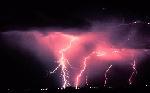 Izraelští klimatologové přinášejí nové poznatky o vzniku nejsilnějších bouří nad Atlantikem.