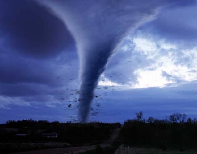 Tornáda se vyskytují v bouřích téměř po celém světě, dokonce i u nás. Jejich nejoblíbenější oblastí je ale americký středozápad, takzvaná tornádovou alej.