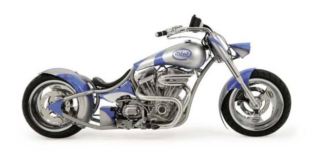 Kdo by si pomyslel, že americká firma Intel se po 30 letech vývoje a výroby počítačových čipů vrhne na motorky? A přece je to pravda. Intel se dal dohromady se známým vývojářským gangem motorkářů v Orange County a společně stvořili motocykl pro 21. století.