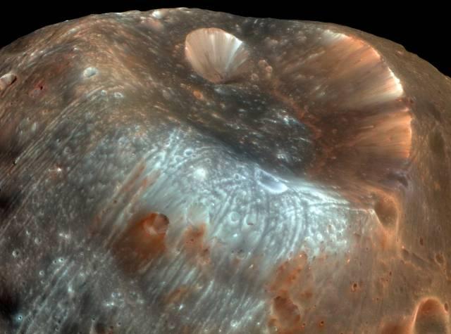 Druhý měsíc Marsu pod drobnohledem
