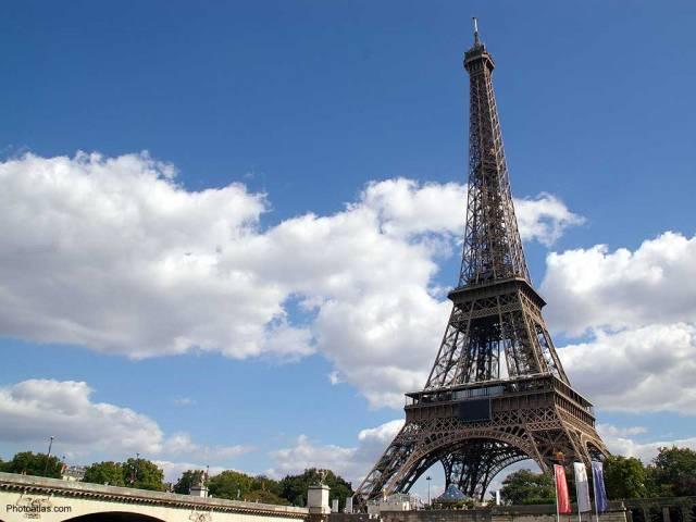 Archeologové v Paříži odkryli naleziště s velkým množstvím zvířecích kostí a úlomků hrotů šípů.