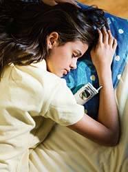 Poruchy spánku patří mezi jednu z nejčastějších civilizačních chorob a trpí jimi mezi 10 – 20 procenty populace vyspělých zemí. Nové výzkumy finských specialistů naznačují, že technologie by mohly alespoň částečně vrátit do ložnic úlevný spánek.