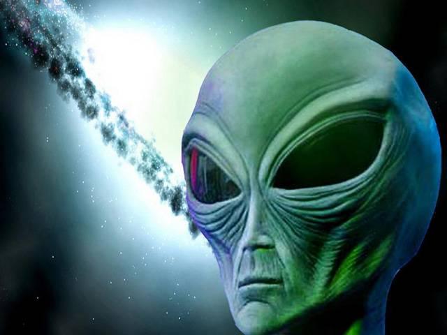 Fenomén UFO je vděčným mediálním námětem. Fotografie s podezřelými létajícími objekty se rády vyhřívají na výsluní titulních stránek. Jenže obvykle má takový úkaz zcela přirozené vysvětlení. Napovídají tomu i nově odtajněné archivy britského ministerstva obrany, které se touto problematikou zabývalo.