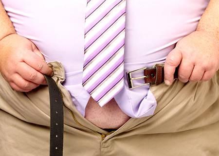 Obezita, která jako epidemie obchází po vyspělých zemích světa, zejména po Spojených státech, nemá své příčiny jen v přejídání či konzumování kaloricky nevyvážené stravy. Někteří nadměrně obézní lidé mohou ze své tloušťky obvinit mutaci, která je připravila asi o 30 genů.
