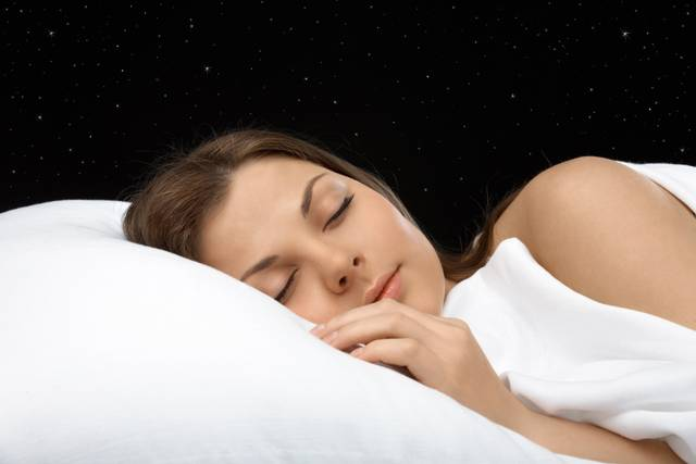 Podle nejnovějších odborných průzkumů trápí cca 40 % lidí problémy se spánkem. Závažnější chronická nespavost postihuje až 10 % lidí – nyní už i ve věku kojenců či batolat. Bohužel, jen 30 % postižených se s problémy svěří lékaři.