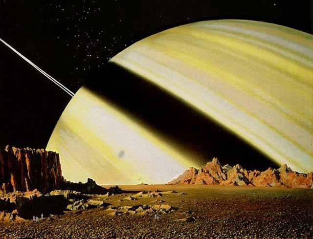 Astronomové své dalekohledy zaměřují na nejvzdálenější místa vesmíru, přesto je i v naší sluneční soustavě řada objektů, které na své důkladné prozkoumání ještě čekají. Skvělým objevitelem je v tomto ohledu sonda Cassini, která již šest let zkoumá Saturn a jeho okolí.