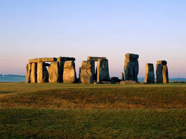 Nový nález v blízkosti slavného monumentu: Stonehenge má »sestřičku«