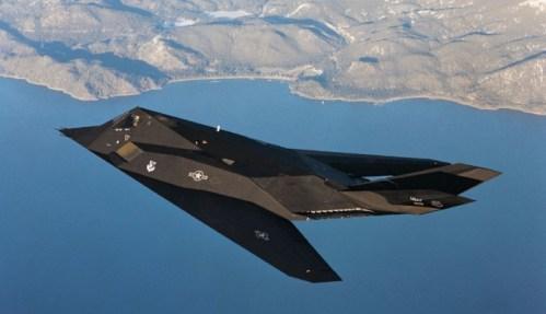 Stealth, útočný bombardér F-117 končí