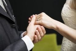 Nový průzkum: manželství zdraví neprospívá