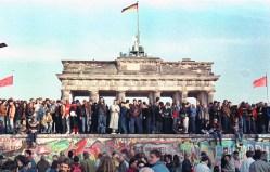 OBRAZEM: Příběh Berlínské zdi