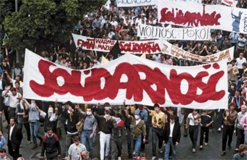 Osmdesátá léta v Polsku: Výjimečný stav a krev na ulicích