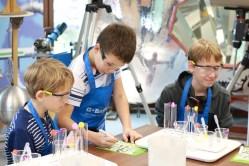 Děti v rolích vědců
