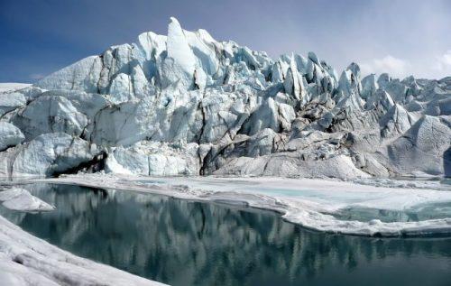 Zabrání problematice tajících ledovců podmořské valy?