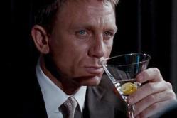 Studie: James Bond by neměl tolik pít