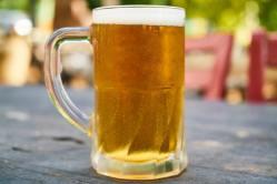 Domácí minipivovar od LG vyrábí pivo z kapslí
