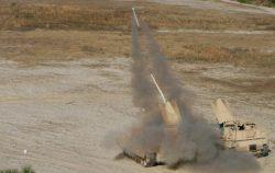 Americkým pěšákům razí cestu kupředu odminovací tank M1150 Assault Breacher Vehicle. Testuje se i robotická verze…