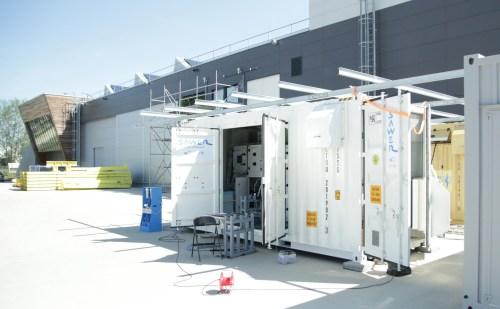 Čeští vědci budou v poušti vyrábět vodu ze vzduchu