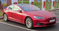 Tesla se činí! Loni vyrobila více vozů, než za předchozí dva roky dohromady