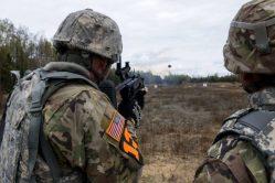 Americká armáda pracuje na dronech, které půjde vypálit z granátometu