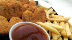 """""""Kuřátko"""" z tiskárny? KFC plánuje vyrábět nugety na ruském 3D tisku"""
