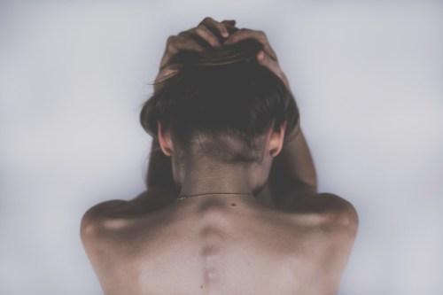 Migrénu lidé tají, v práci ji neberou vážně