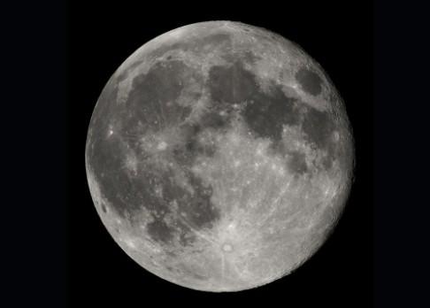 Čína pošle vesmírnou sondu kolem Měsíce