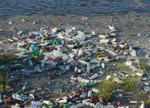 Ekologický plast se rozpadne za tři hodiny