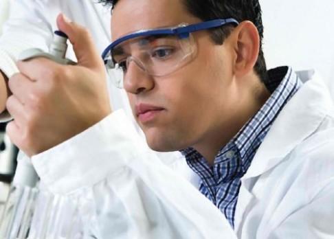 Umělými proteiny proti chemickým zbraním