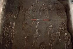 Středověký hřbitov nalezen pod Univerzitou v Cambridgi
