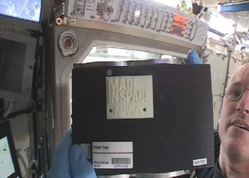 Ve vesmíru se tiskne 3D
