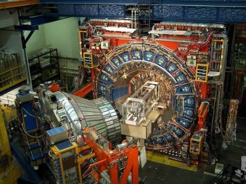 Jsme na cestě k objevu nové částice?