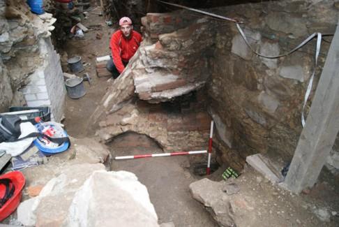 Co (ne)nalezli archeologové ve Zlaté uličce?