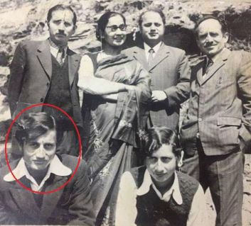 Anupam Kher With His Family in Childhood