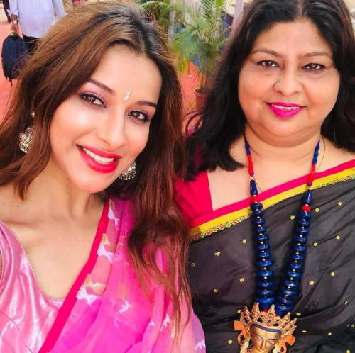 Nyra Banerjee with her mother