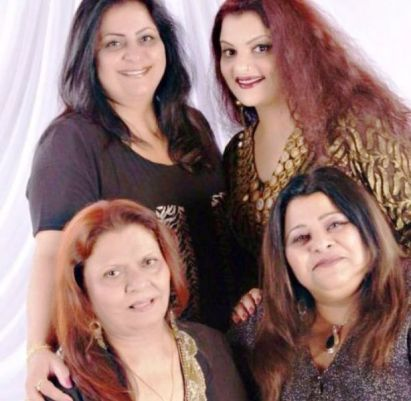 Goga Kapoor's Wife and Daughters