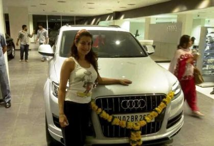 Ameesha Patel with her car