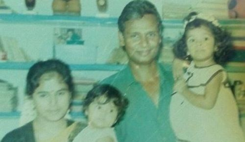 A child film with Ramya Pandian's family