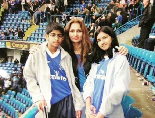 Anmol Dhillon in his teenage with his mother and sister